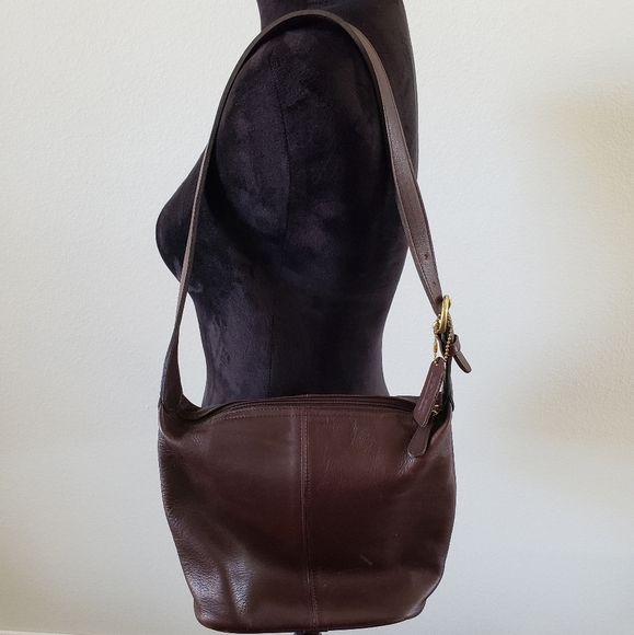 Coach Handbags - B2G1 VTG 90's Coach Soho Leather Bucket Purse